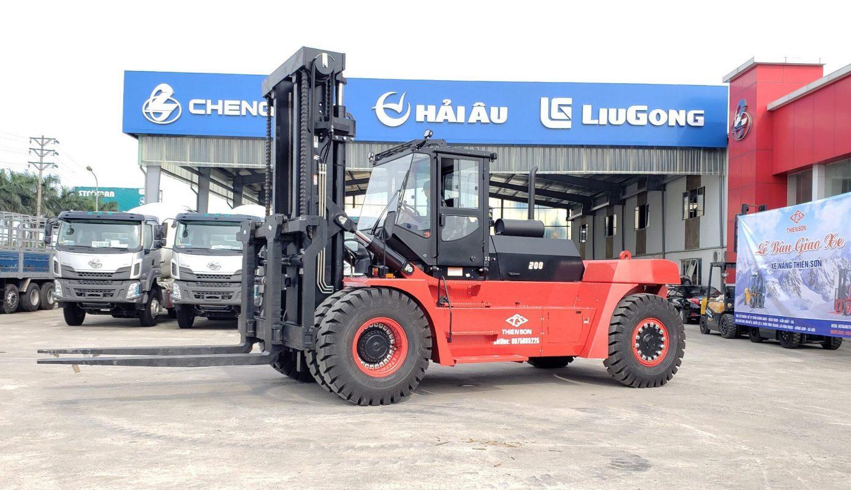 Xe nâng tải trọng lớn (Heavy forklift)